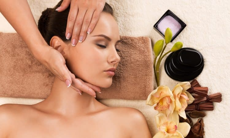 Massage visage à L'institut Secrets de Beauté à Avord